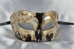 Larga Argento - Mans Black Eye Mask with Silver Leaf Decor