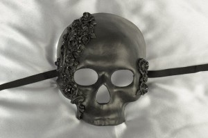 Teschio Rose - Luxury Halloween Skull Mask with Flower Detail