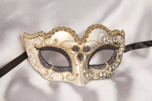 Small masquerade mask Baby Gold in black