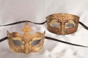Bronze gold Tomboy Farfallina - Pair of matching Venetian masks