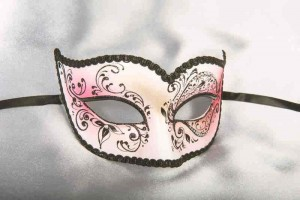 Cerise Pink Colombina Crystal Masquerade mask