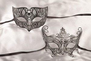 Black filigree metal Venetian masks - Tomboy Principessa