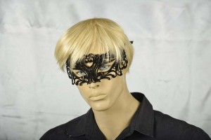 flock covered mans masquerade ball mask Uomo on male face