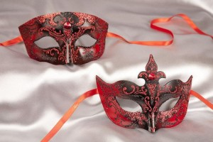 Red black pair of paper mache Venetian masks - Tomboy Farfallina