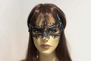 Rugiada Strass luxury metal mask with crystals on female face