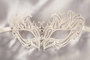 Filigree metal mask in white - Petal